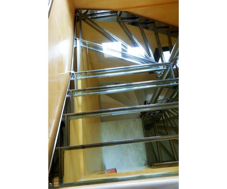 Fabricante de escaleras en acero inoxidable en Sevilla