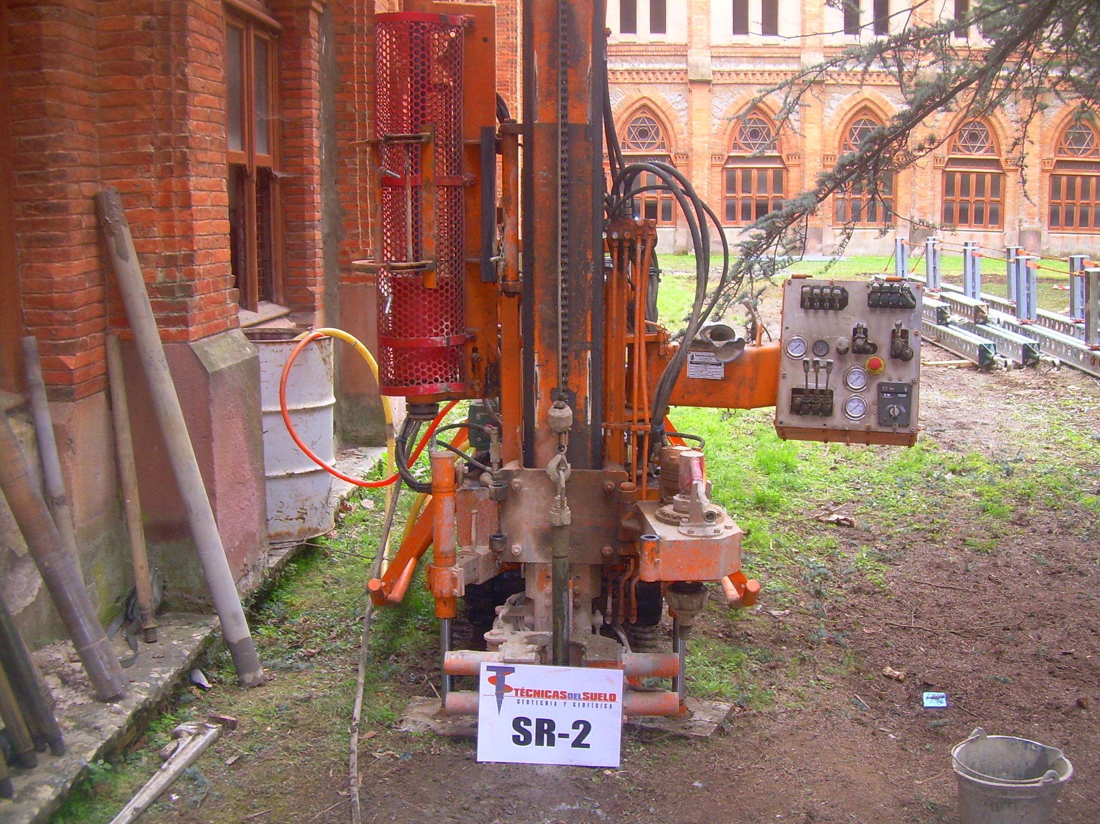 Sondeo geotécnico en Universidad de Comillas