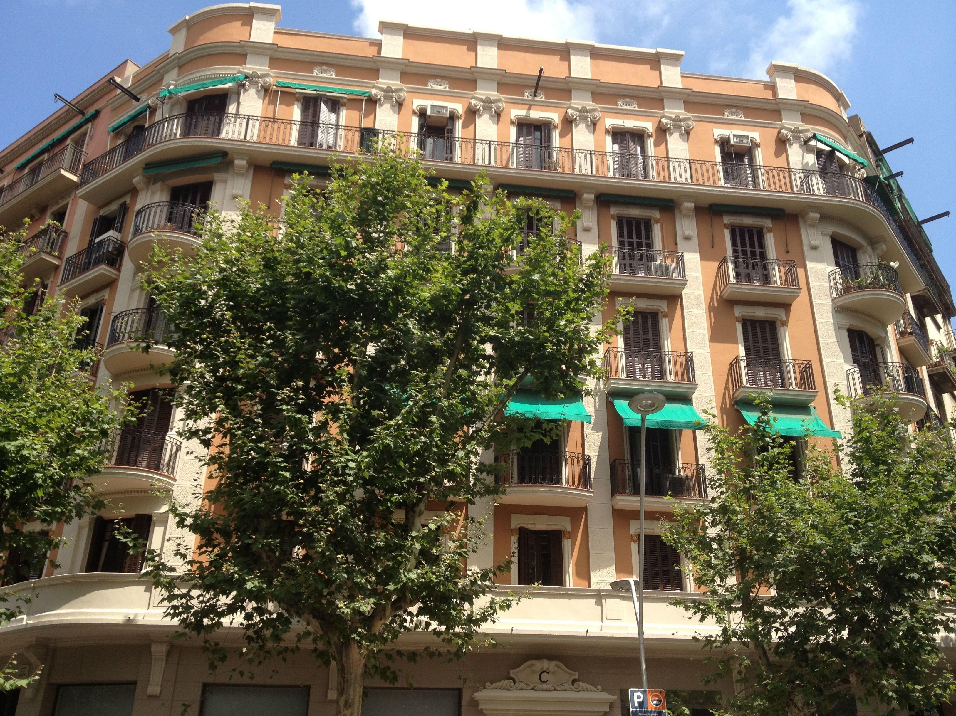 Foto 2 de Rehabilitación de edificios en Santa Coloma de Gramenet | Rehabilitar BCN