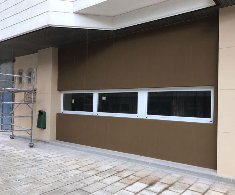 Instalación de ventanas abatibles de aluminio en Zaragoza