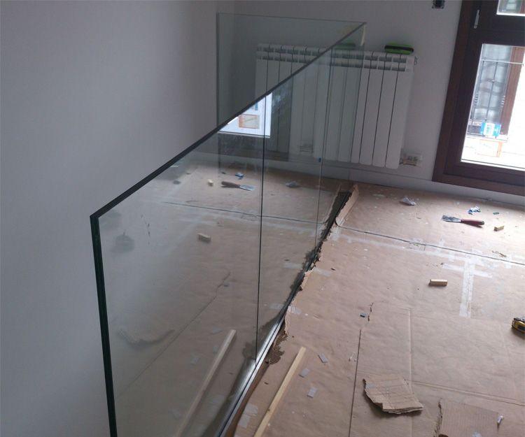 Barandilla de cristal en Zaragoza