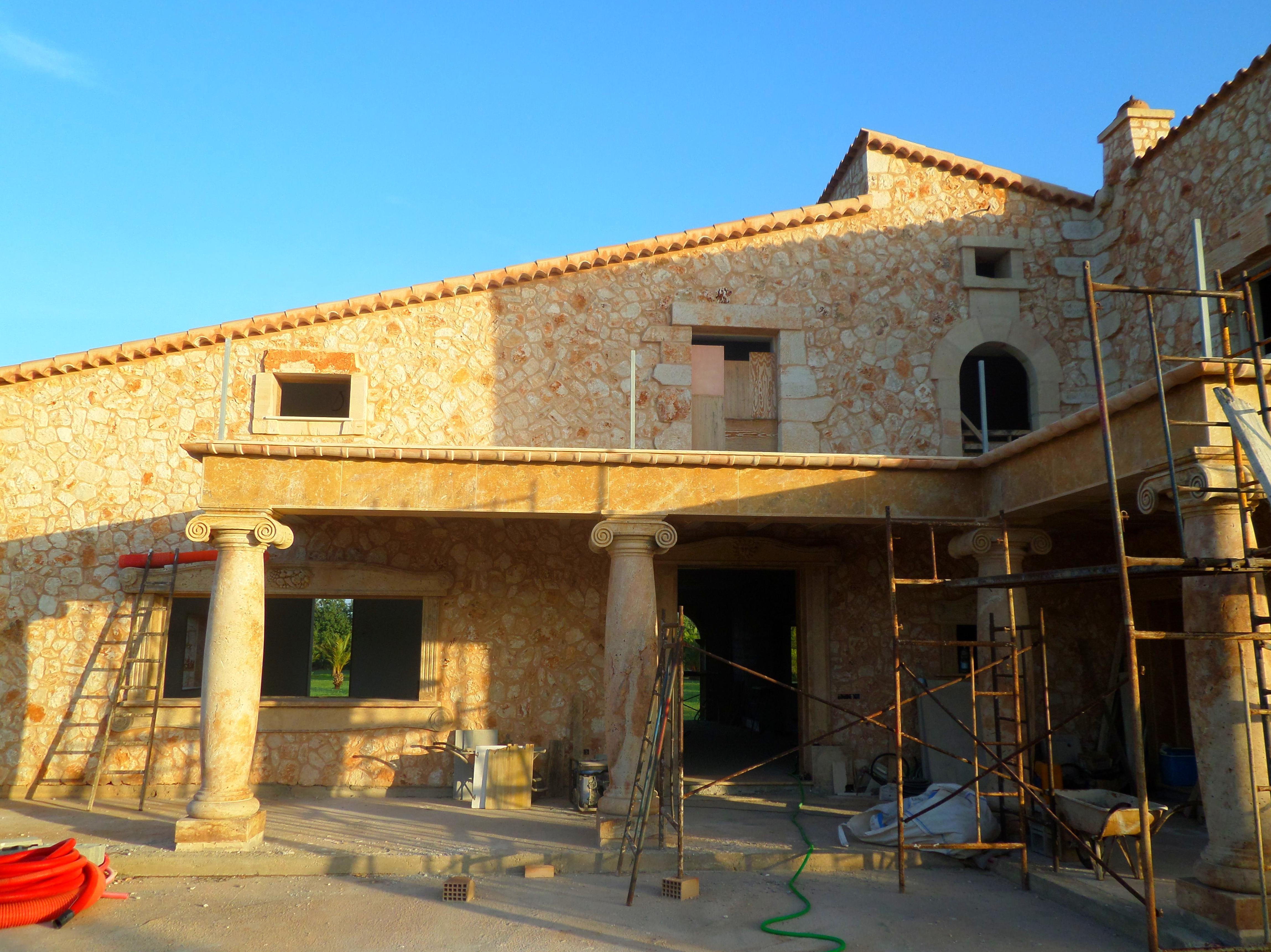 Detalle de fachada y porche