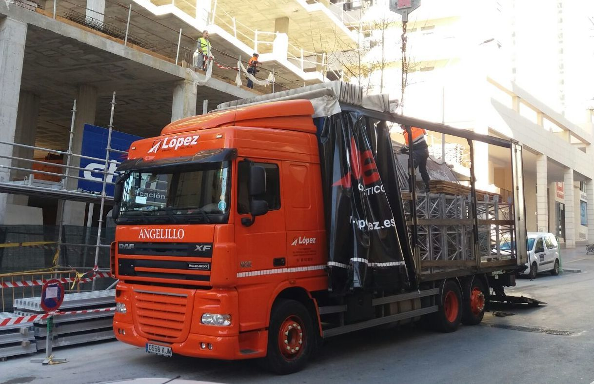Foto 7 de Transportes de mercancía por grupaje o cargas completas en 46950 Xirivella | Transportes López