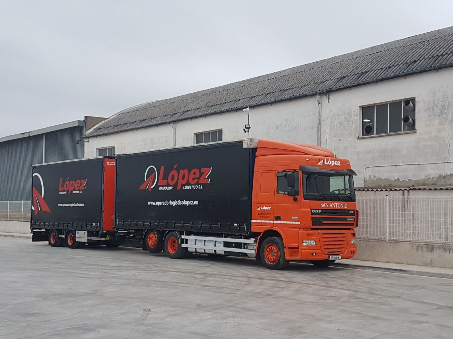 Foto 12 de Transportes de mercancía por grupaje o cargas completas en 46950 Xirivella | Transportes López
