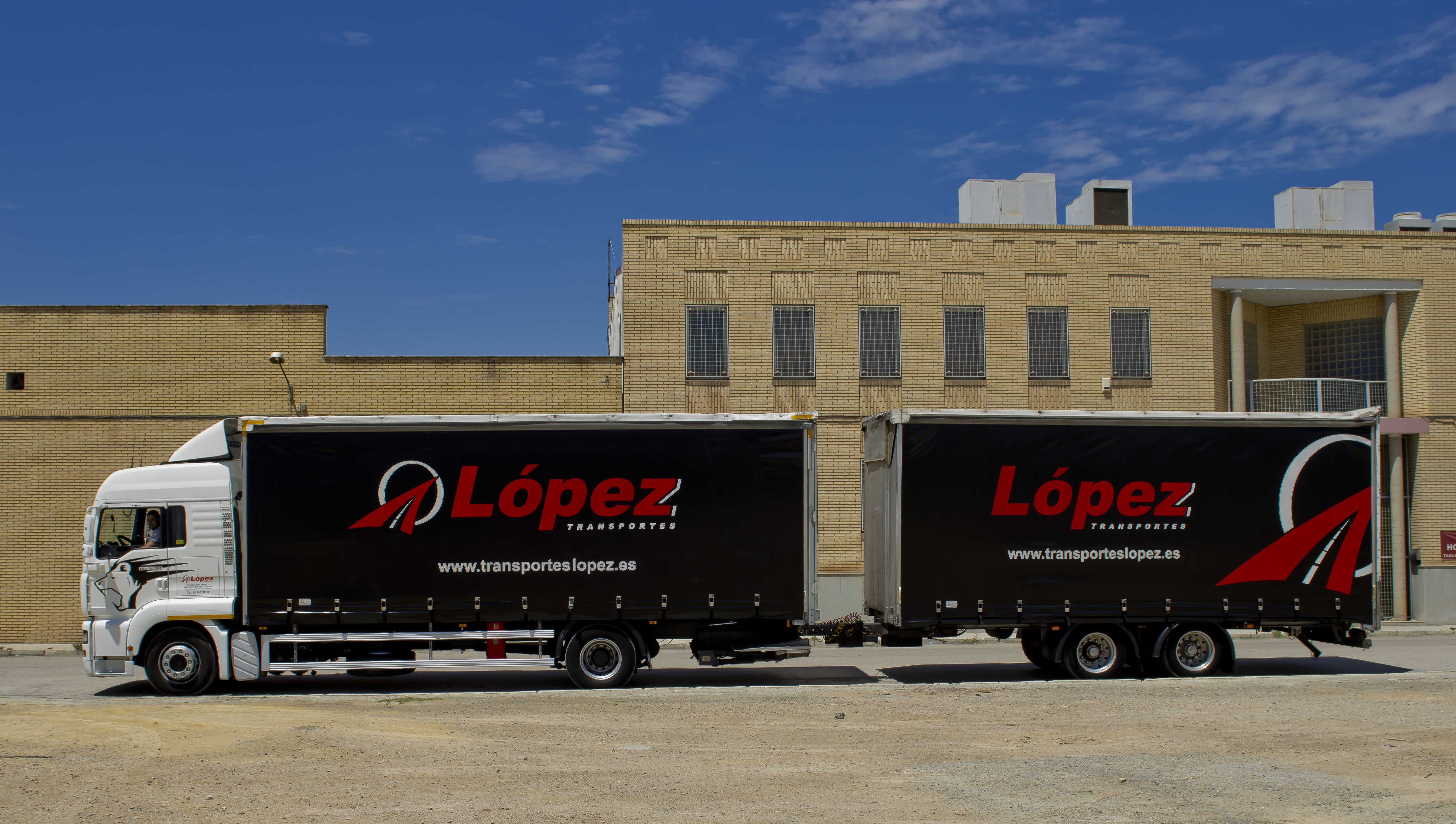 Foto 15 de Transportes de mercancía por grupaje o cargas completas en  46950 Xirivella | Transportes López