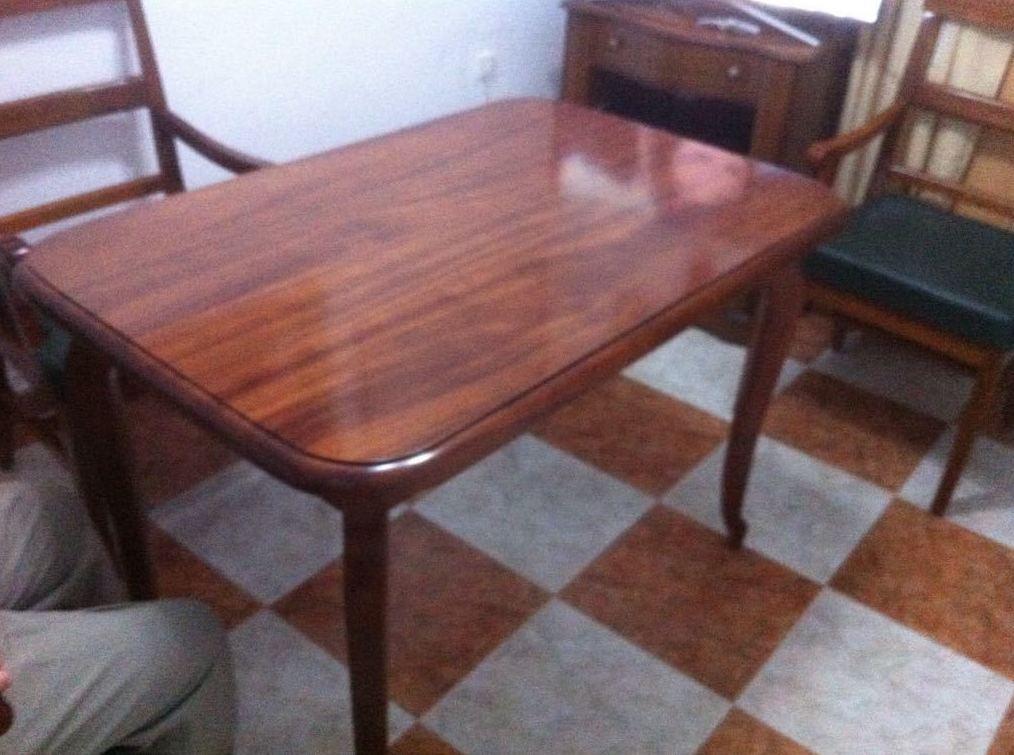 Mesa de madera Sapely