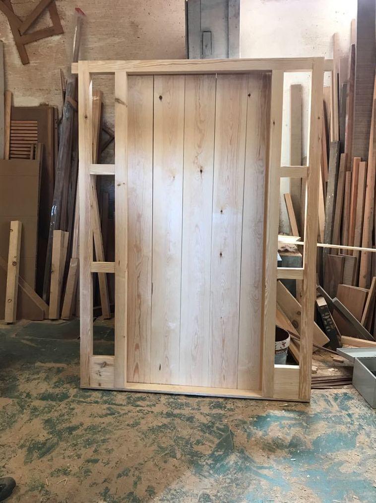 portones de madera en Sanlucar de Barrameda