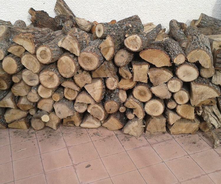 Leña de toda clase de árboles en Valencia