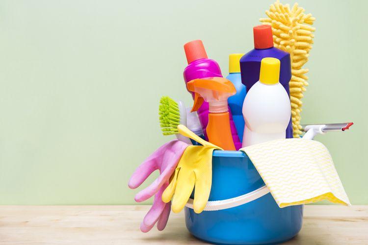 Profesionales de la limpieza en El Prat de Llobregat