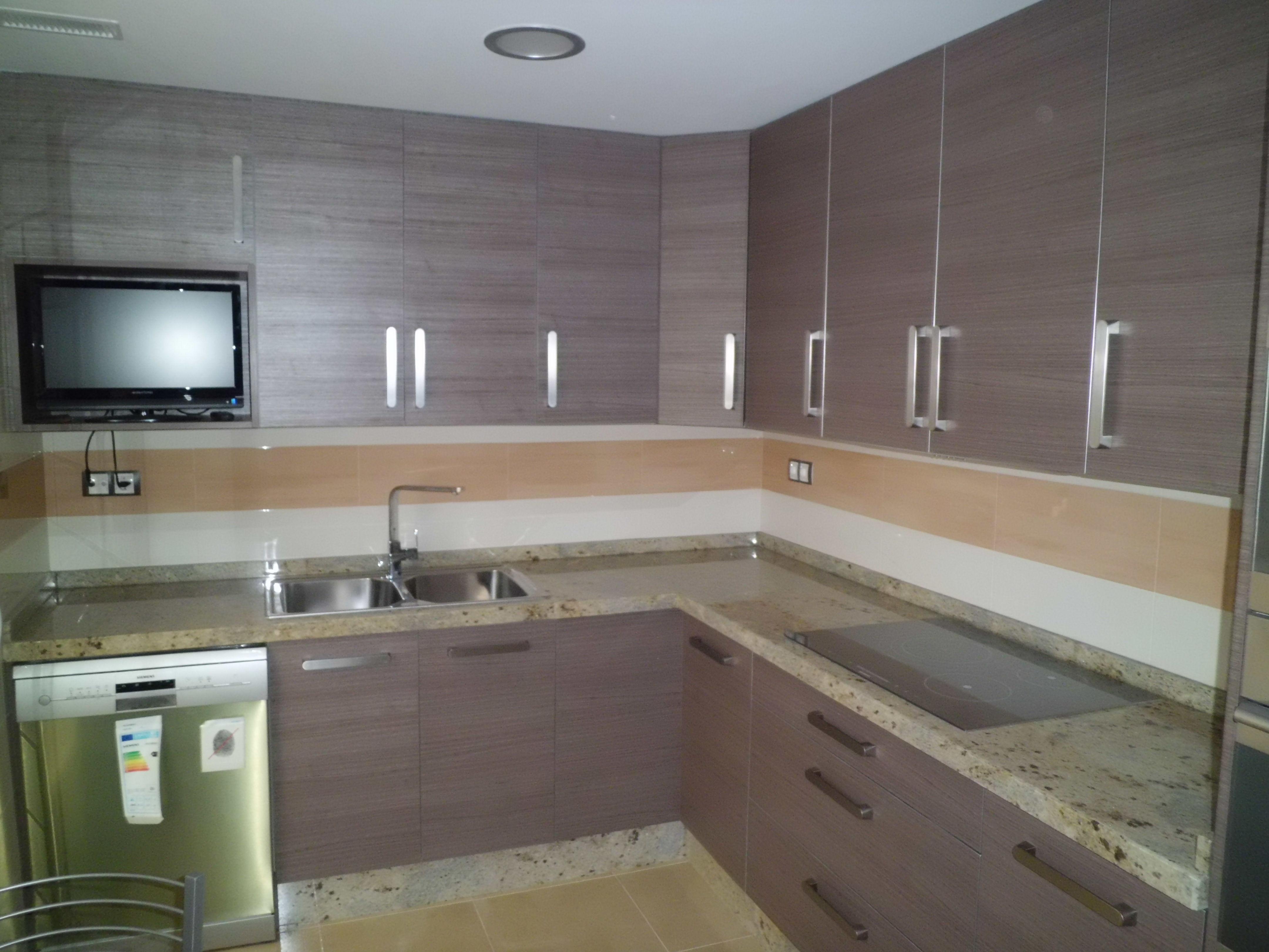 Incre ble muebles de cocina eba os molde ideas de for Muebles gallery lorca
