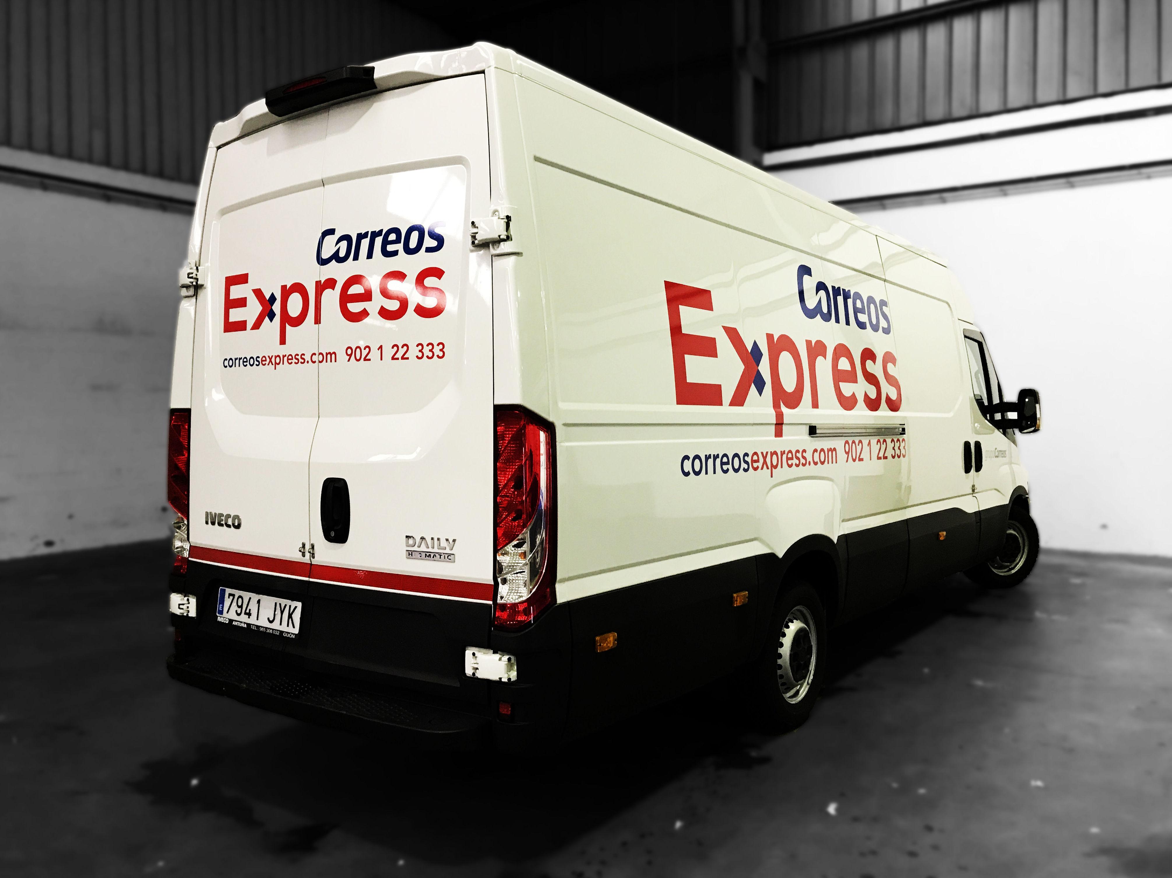 Rotulación de furgón | correos express