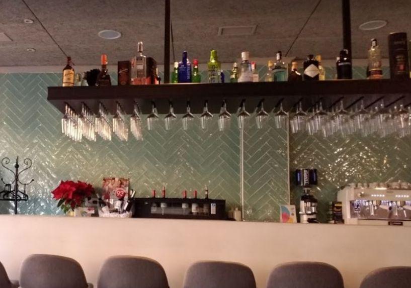 Por copas:  de Travieso Restaurante