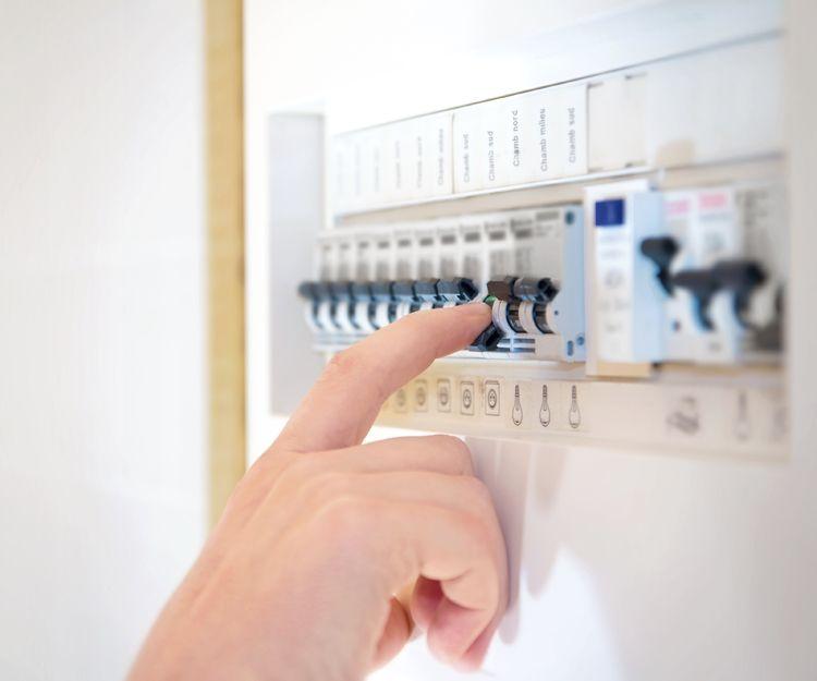 Empresa especializada en instalaciones eléctricas en Sevilla