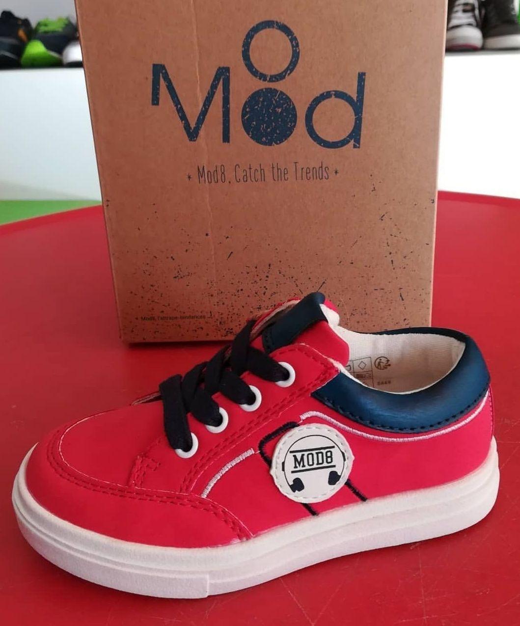 Zapatillas en azúl y rojo. Nueva temporada Mod8. Calzado infantil