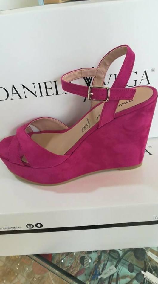 Sandalias de cuña Daniel Vega.