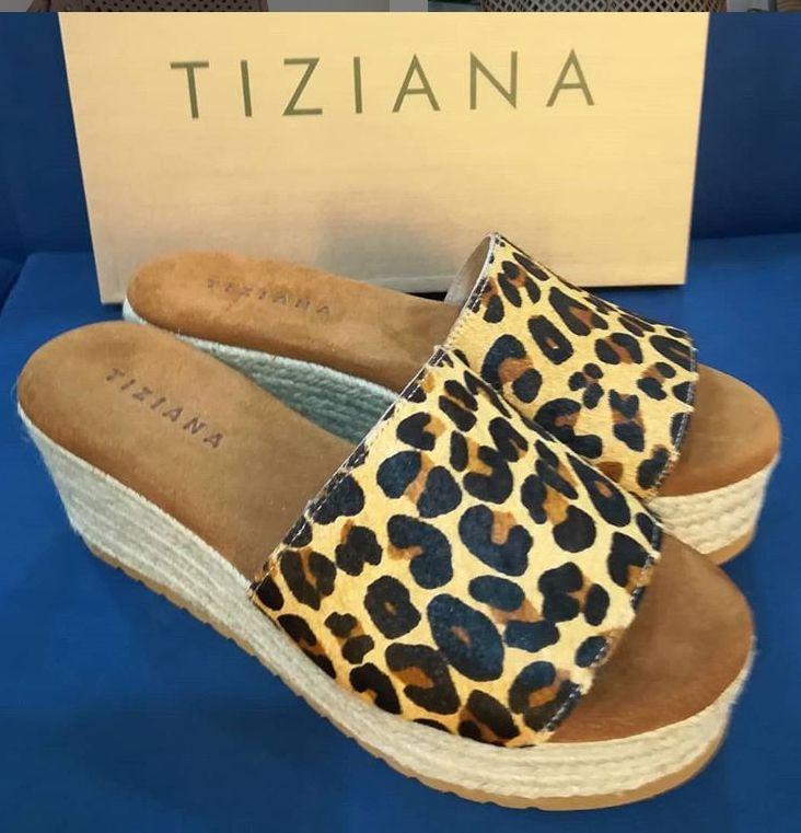 Sandalia de cuña altura media Tiziana, estampado leopardo