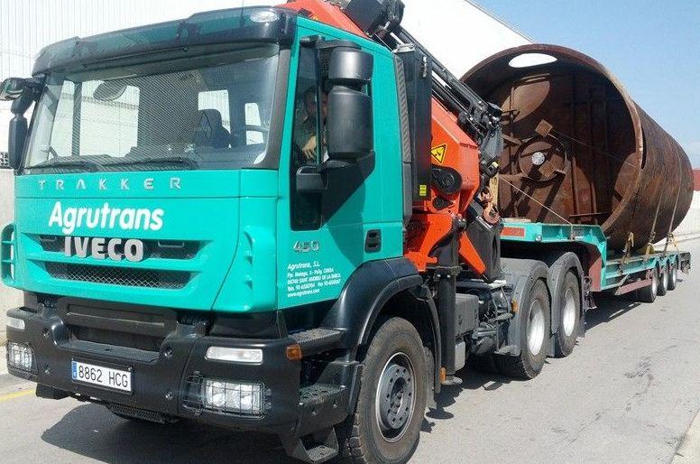Camiones para el transporte de todo tipo de piezas industriales