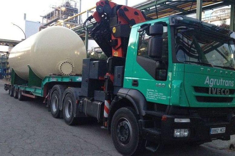 Camiones para transportes especiales en Barcelona