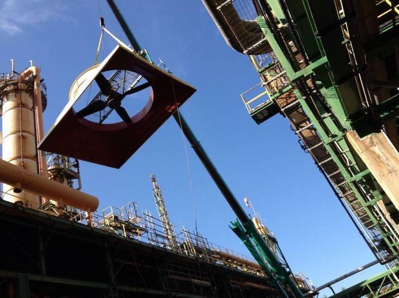 Grúas móviles de gran tonelaje para trabajos industriales en Barcelona