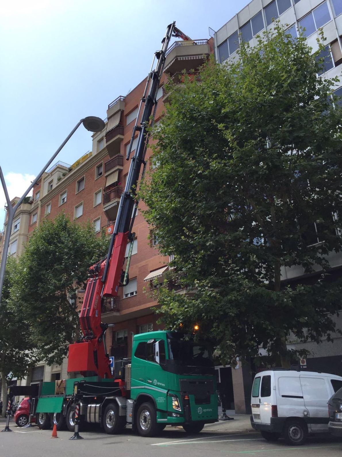 Foto 9 de Grúas en Sant Andreu de la Barca | Agrutrans
