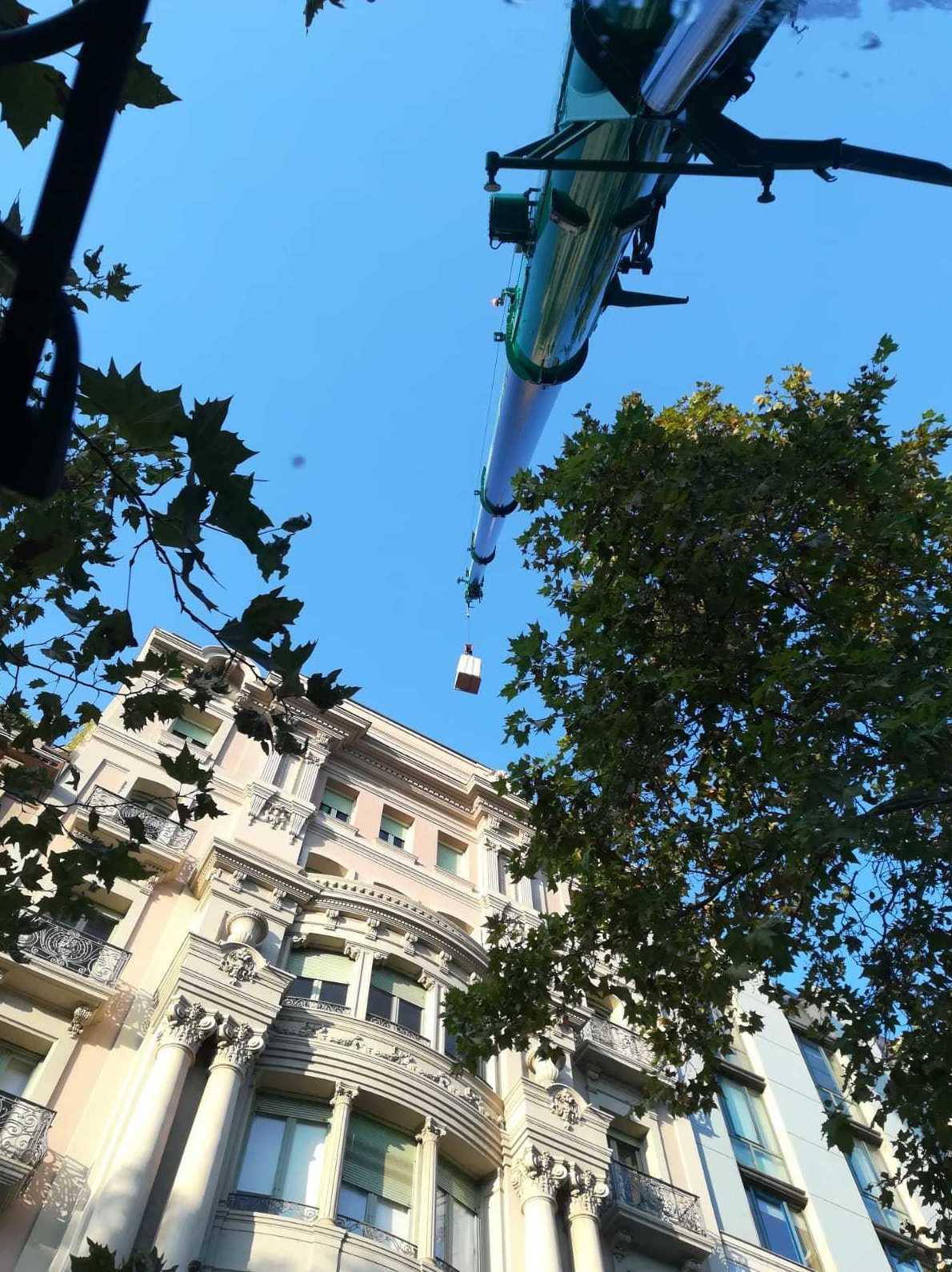 Foto 8 de Grúas en Sant Andreu de la Barca | Agrutrans