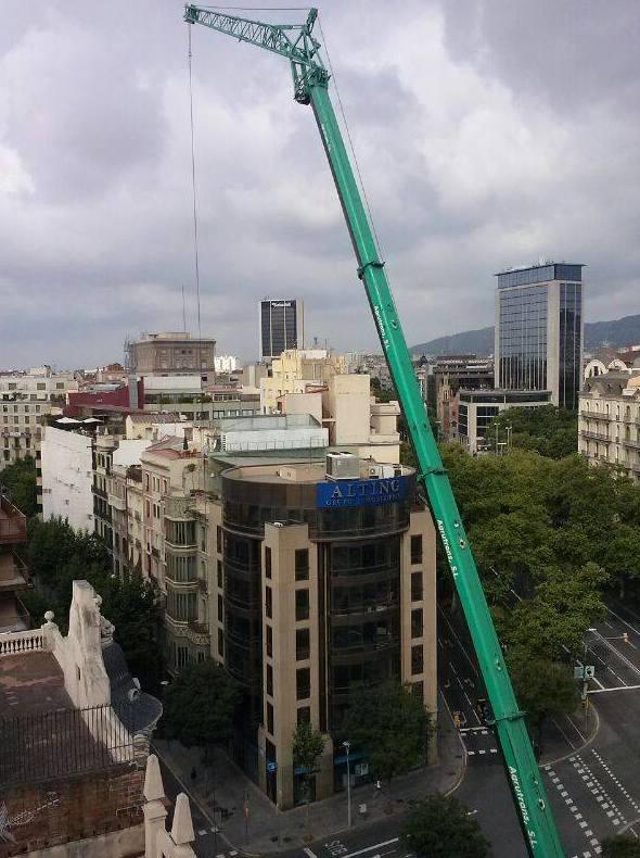 Camiones pluma en Barcelona