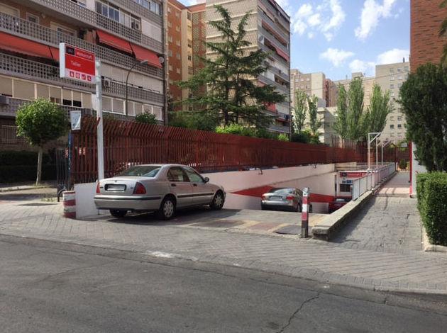 Talleres Arroyo en C/ Camarena, 93 (Madrid)