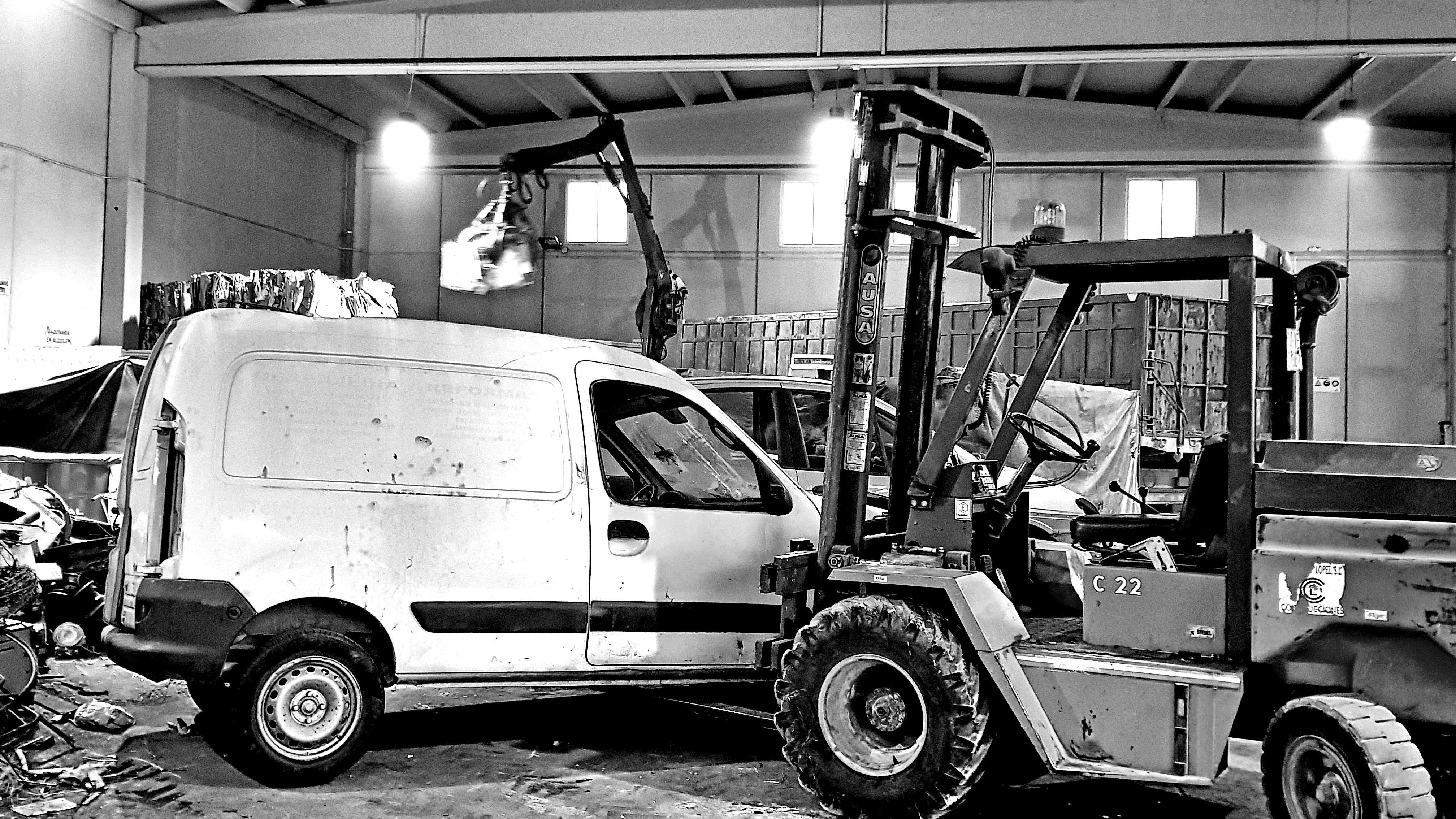 Vehículos y maquinaria industrial: Servicios de Recuperaciones A. Sánchez