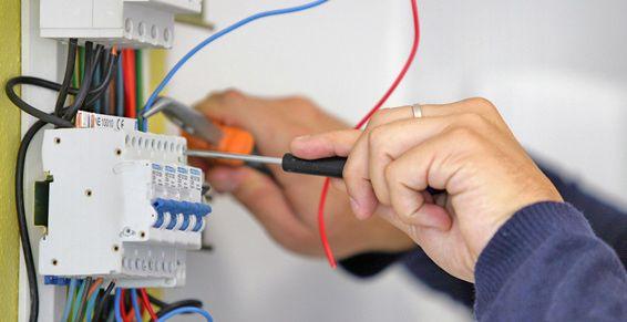 Instalaciones y reparaciones eléctricas en Tenerife