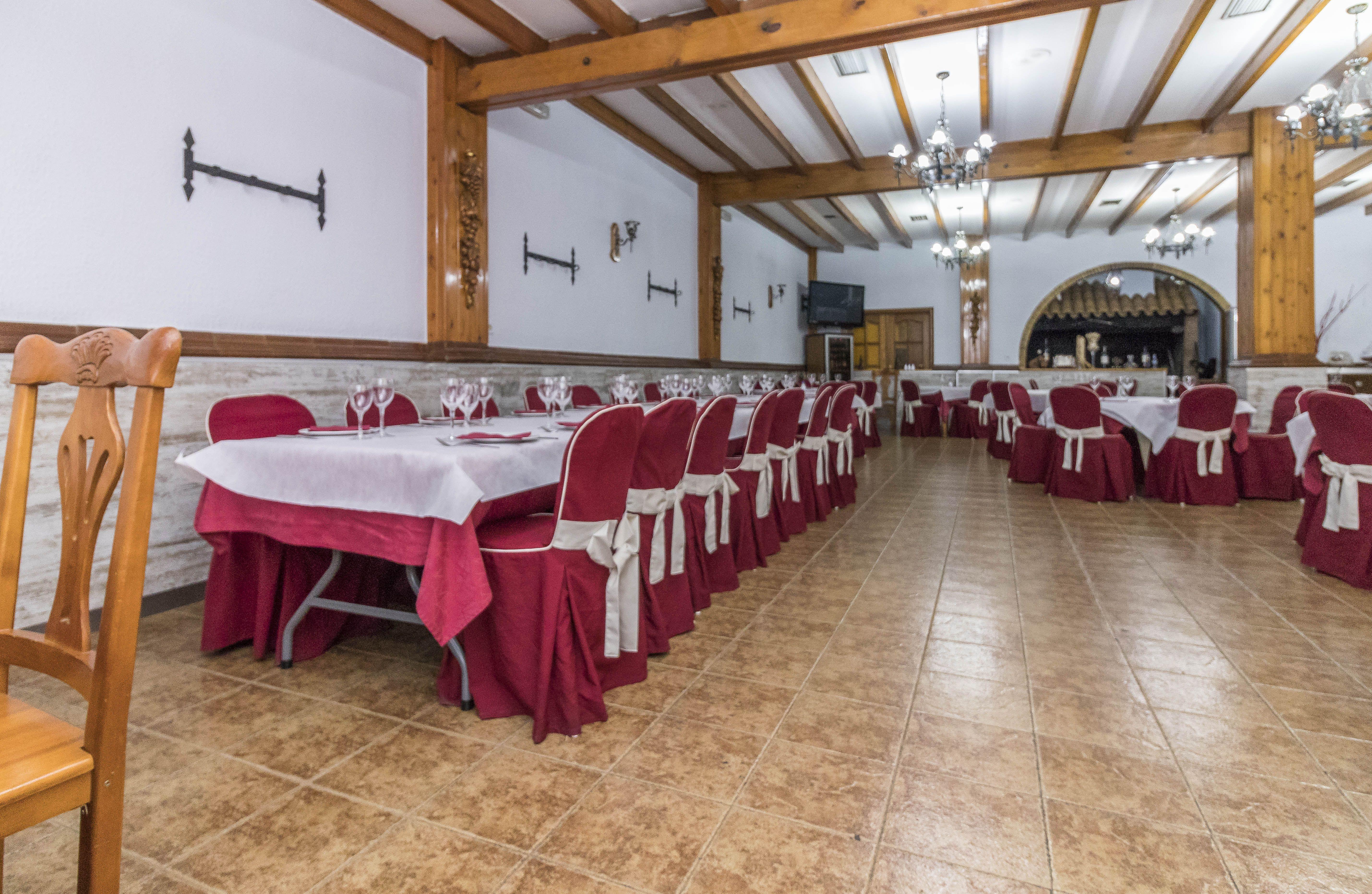 Salón para comidas de grupos en Yecla
