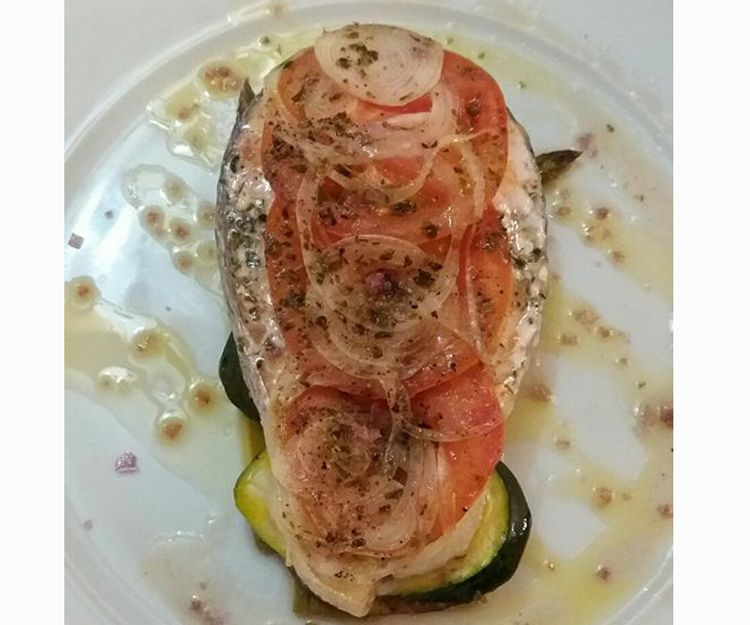 Restaurante con cocina mediterránea