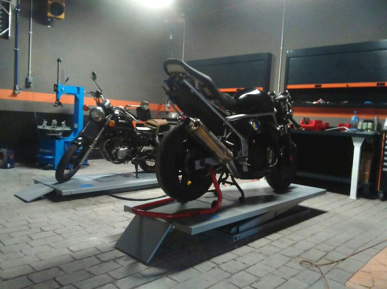 Taller con más de 20 años de experiencia en la reparación de motos en Hospitalet de Llobregat