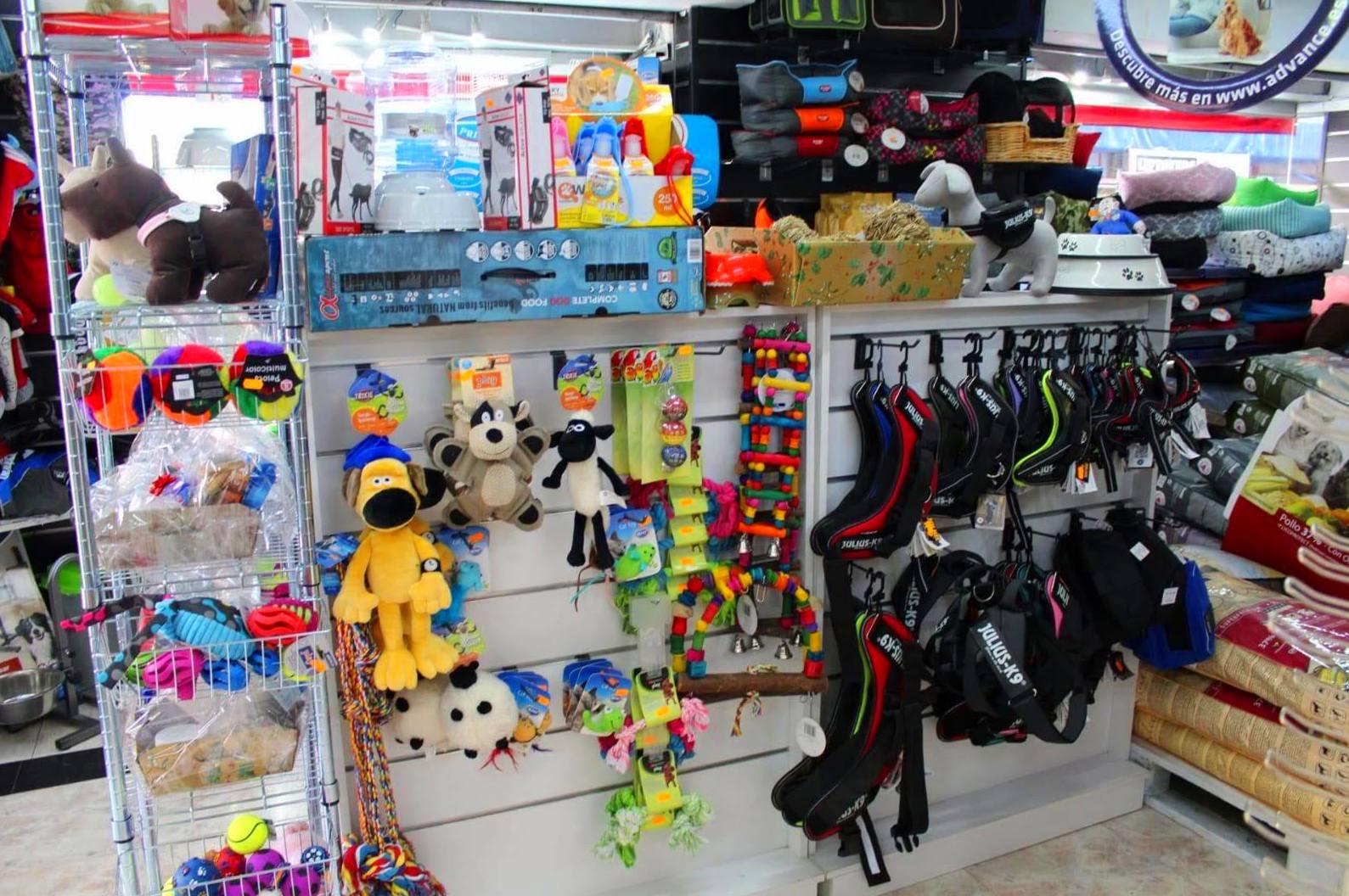 juguetes para mascotas en Castelldefels