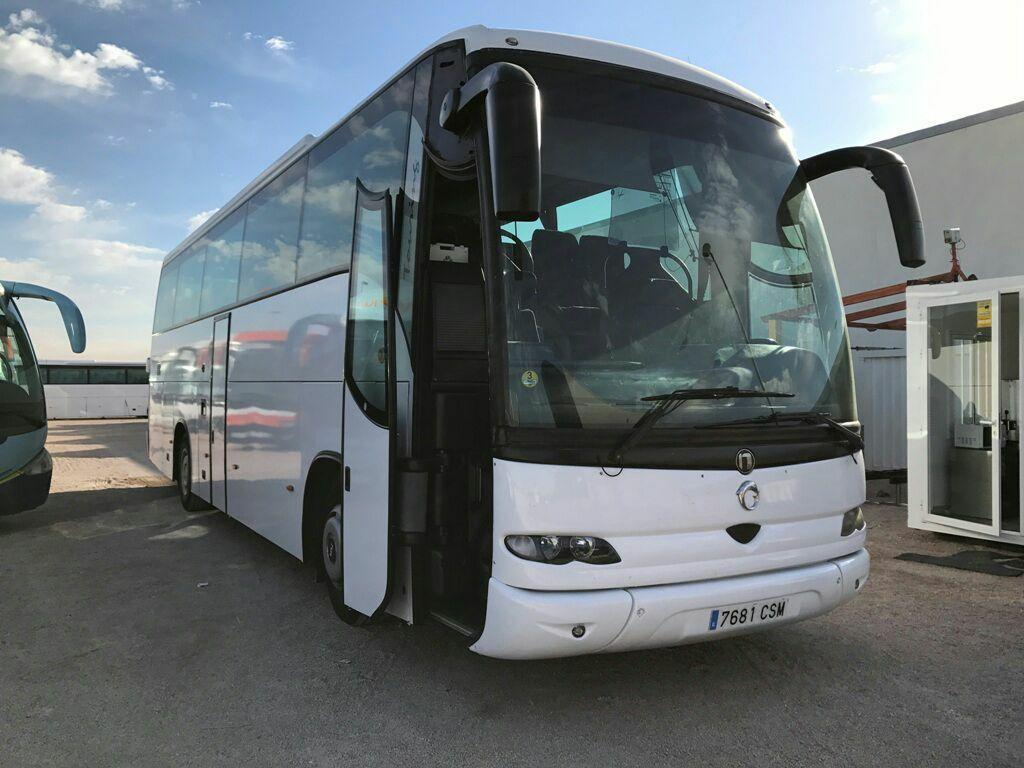 Autocares para bodas en Camarena