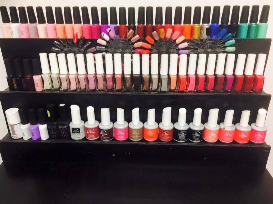 Pon color a tus uñas