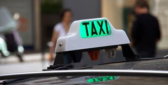 Servicio taxi 24 horas : Servicios de Taxi Lucena