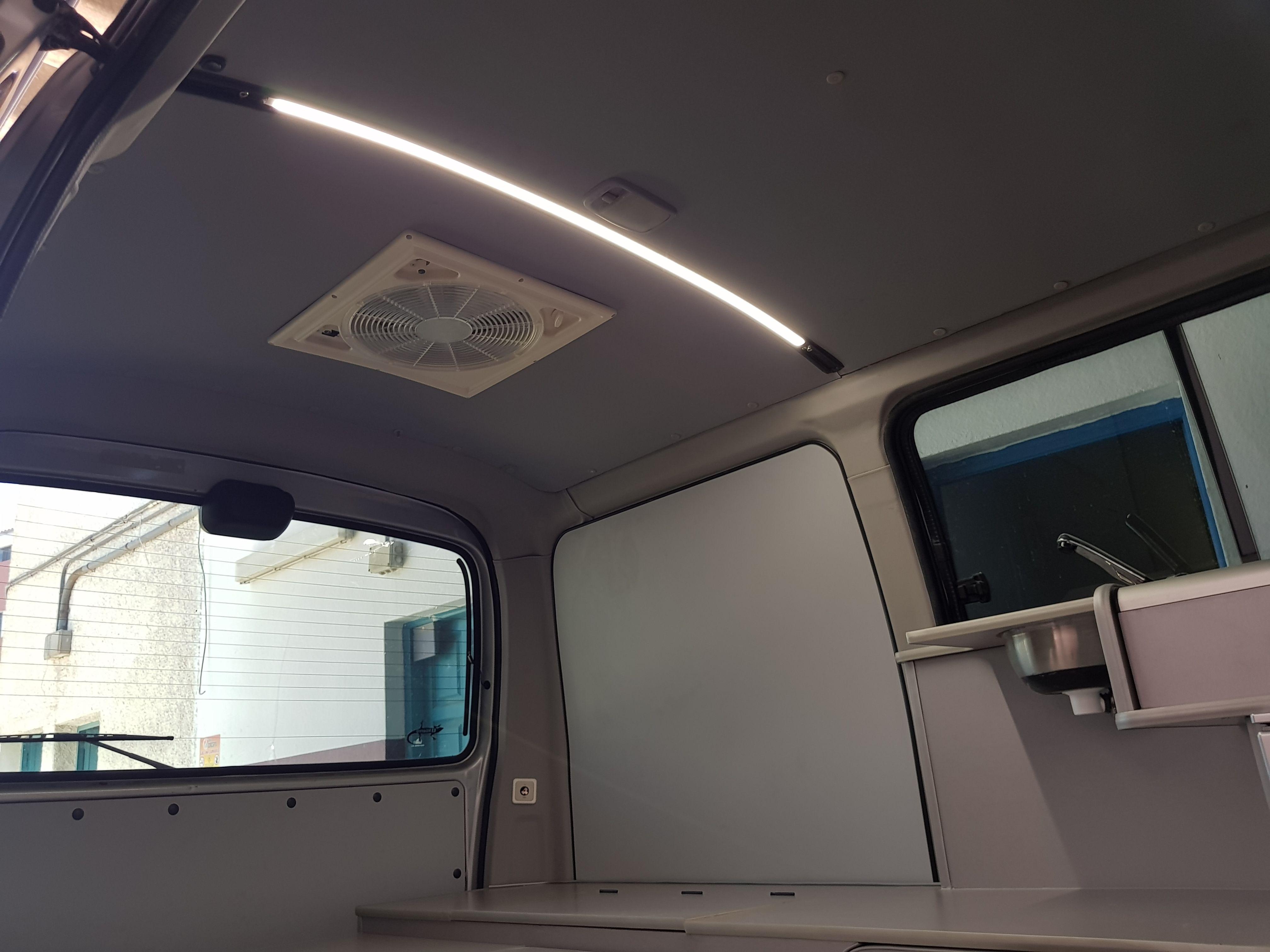 Foto 14 de Taller de furgonetas camperizadas y caravanas en Vecindario | SMV Camper
