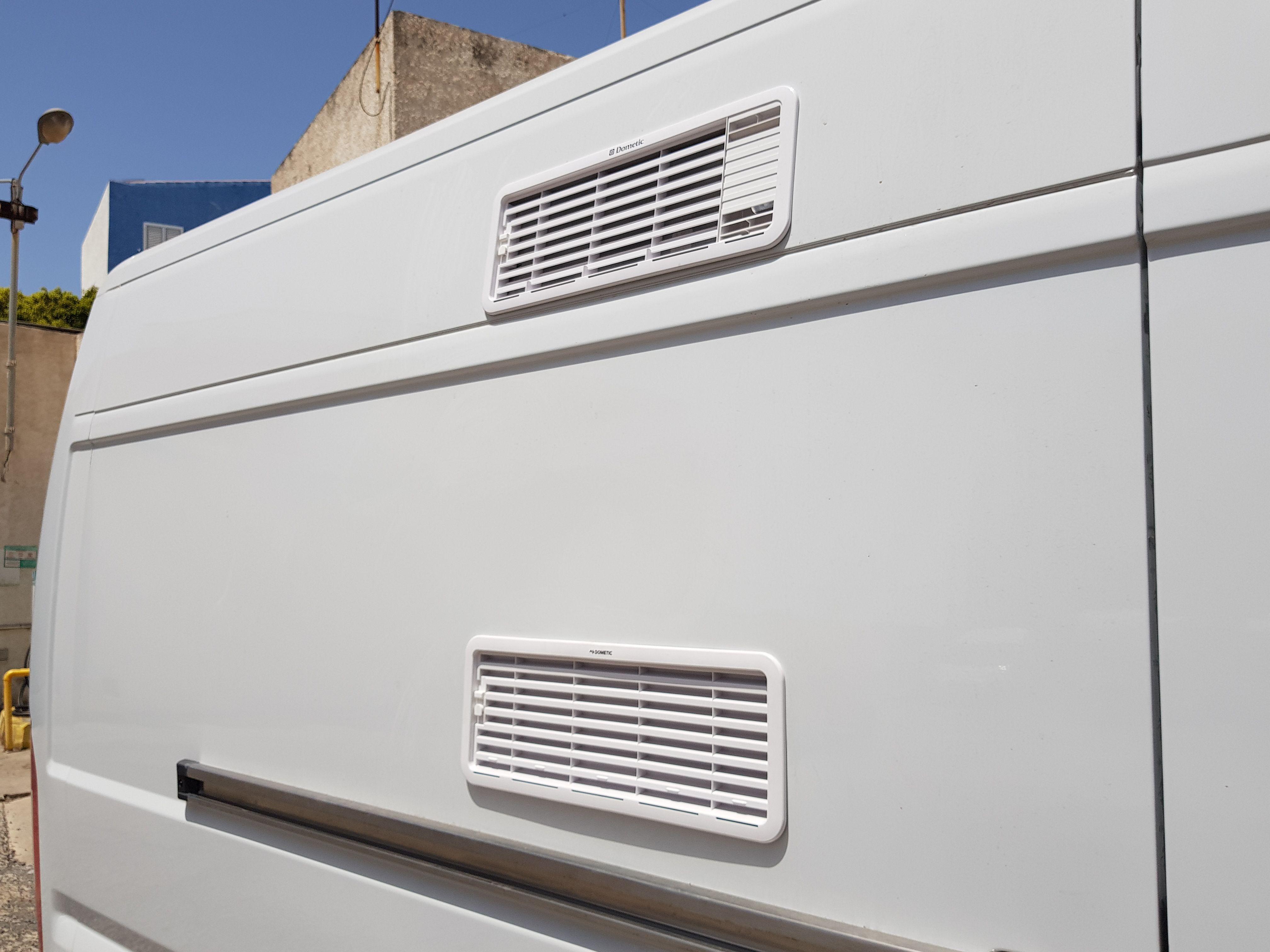 Foto 9 de Taller de furgonetas camperizadas y caravanas en Vecindario | SMV Camper