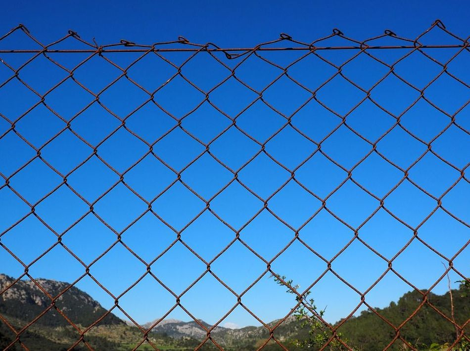 Cerramiento de malla: Trabajos de Construcciones Javier Villar