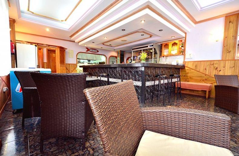 Restaurante con ambiente agradable en Los Abrigos