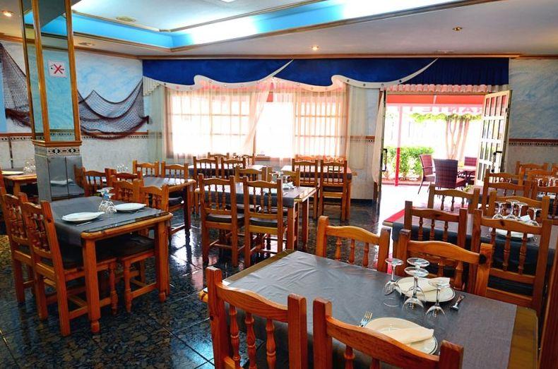 Restaurante cerca del mar en Los Abrigos