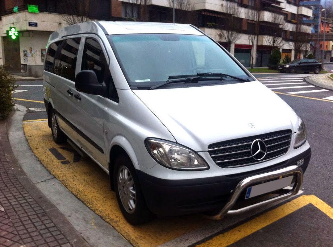 Capacidad para 8 personas: Servicios de Taxi 9 Plazas 24 horas
