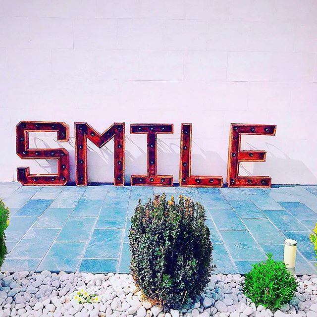 Letras decoración smile en Madrid centro