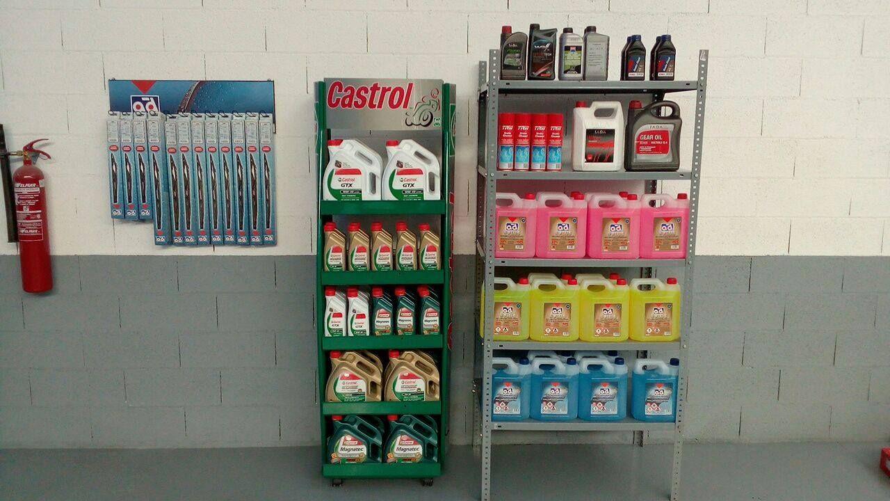 Aditivos, aceites y accesorios para el vehículo