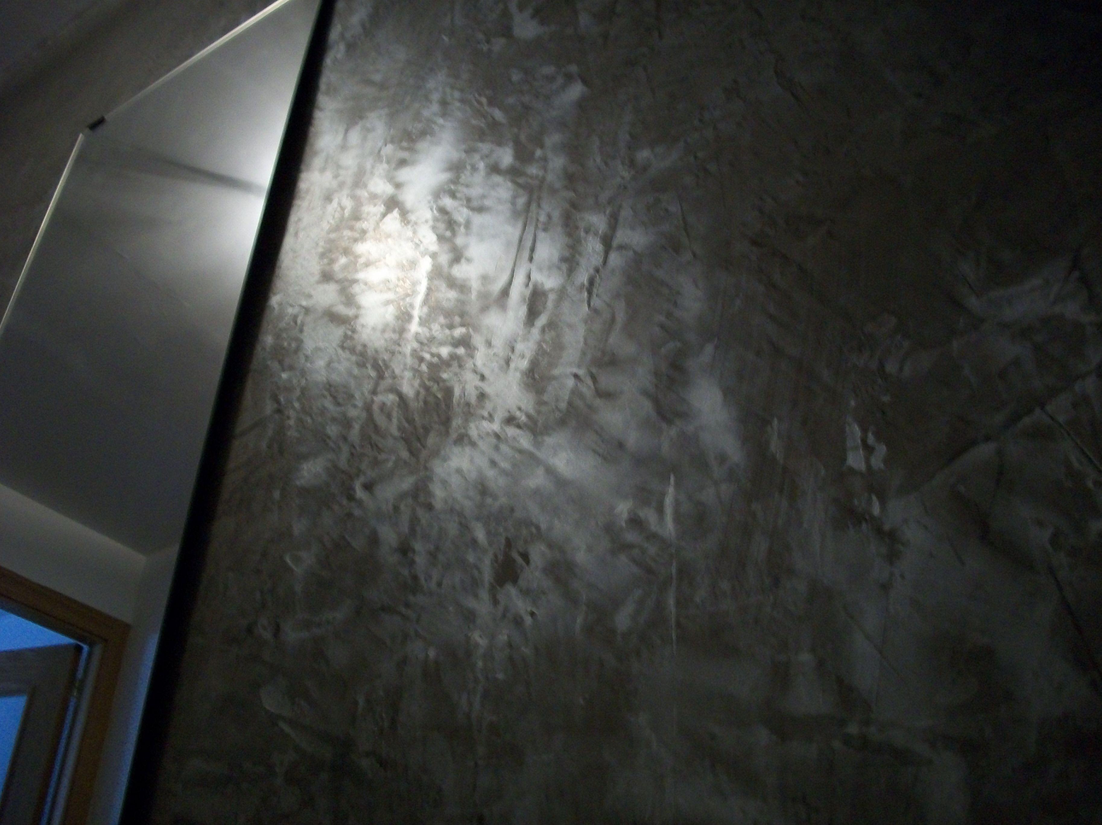 Realización de estucos metalizados