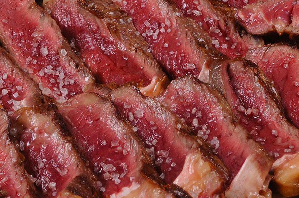 Especialidad en carnes a la brasa de la mejor calidad en el restaurante Deustoarrak