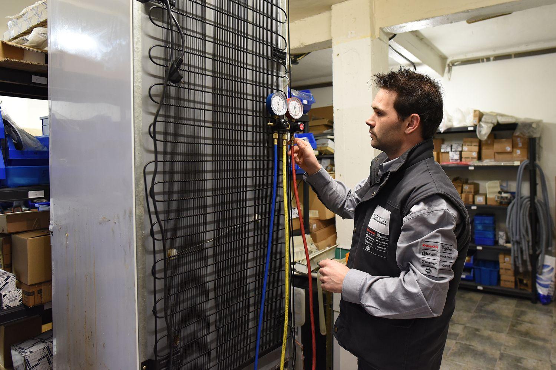 Profesionales en mantenimiento de electrodomésticos