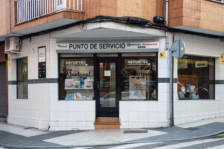 Fachada de Asturtec en Gijón