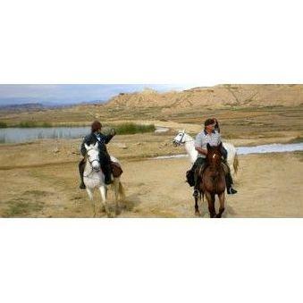 Rutas a la carta para jinetes: Actividades de Club Hípico Arbayún