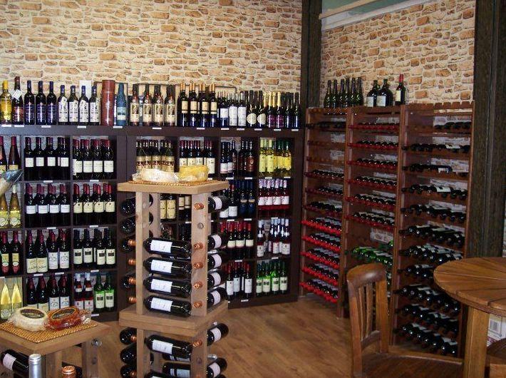 Gran variedad de vinos en La Despensa Extremeña